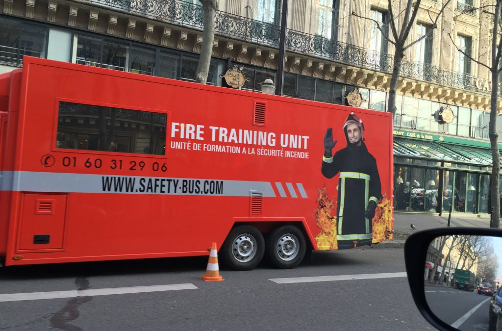 Living Actor™ Fireman Andrew giving Training in Paris!